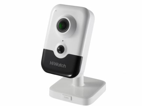 Компактная IP-видеокамера HiWatch с ИК-подсветкой до 10м - DS-I214(B)
